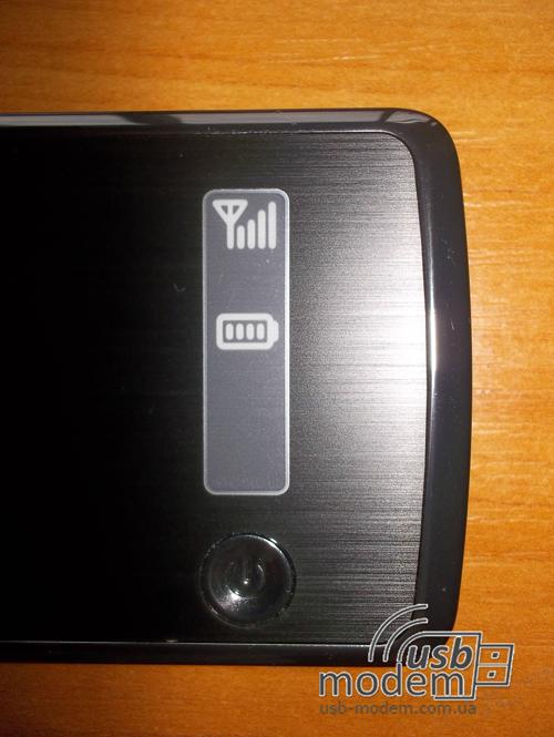 Дисплей Novatel MiFi 4082 на лицевой  стороне